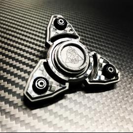 Carbon Skull Tri Spinner